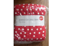 DUNELM Seriously Soft 'SPOTS' Throw Large 180x230cm NEW