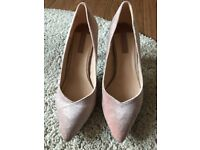 Pink court shoes size 6