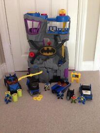 Imaginext batcave, batmobil, batboat, batcopter