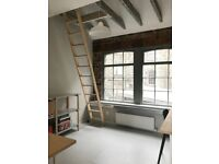 DESK SPACE AVAILABLE IN BEAUTIFUL STUDIO, LEITH, EDINBURGH - IDEAL FOR FREELANCER/ SMALL BUSINESS
