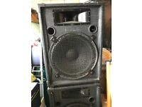 2 200 watts high-powered loudspeakers with stands.