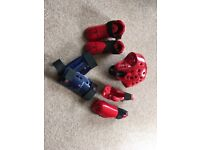 Sparring kit for older child/teenager Macho blue and red helmet, shin/foot/hand pads