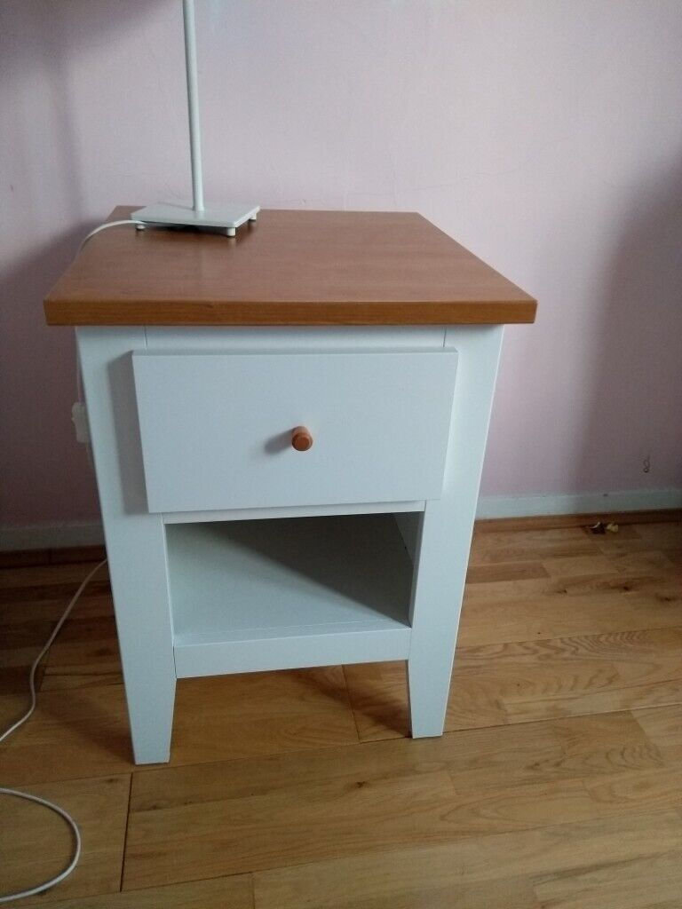 the best attitude ee844 0098e White bedside table shaker style | in Derby, Derbyshire | Gumtree