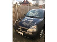 Renault clio 1.2 Ideal first car *12 month MOT*