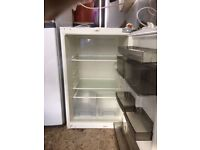 **NEFF**ANTI-BACTERIAL**BASIC UNDERCOUNTER FRIDGE**COLLECTION\DELIVERY**NO OFFERS**INTEGRATED**