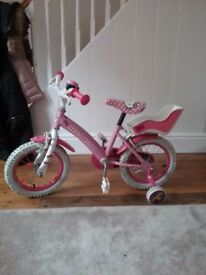 Girls hello kitty bike . 16 inch tres. Good condition.