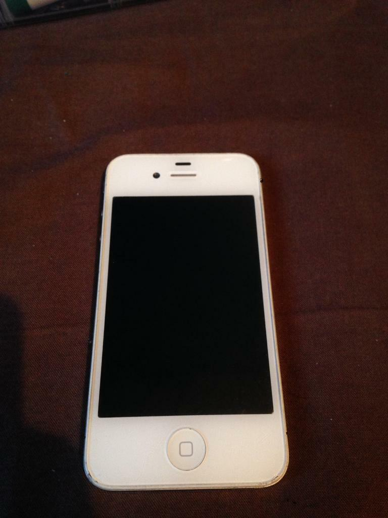 Iphone 4 02 8gb good conditionin Gillingham, KentGumtree - Iphone 4 02 8gb good condition Screen is scratched hence listed as good condition not very good and hence price Its not massively bad and can hardly be seen With USB charger £40 no offersFully working Gillingham collection possible delivery in Kent...