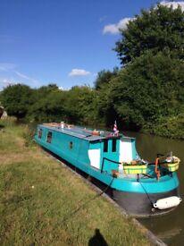 Stunning narrow boat for short term rental