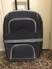 Lockable Suitcase in very good condition only £10