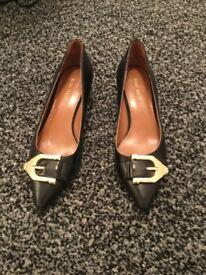 Beautiful black kitten heel shoes from nine west