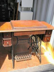 Singer Sewing Table Antique - no machine OAKVILLE 905 510-8720 beautiful wood early 1900s cast iron heavy vintage