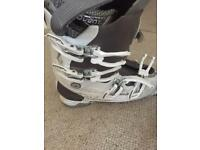 Ladies Salomon Ski boots.