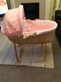 Moses basket and stand, excellent condiion