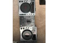 2x pioneer cdj 800! Mixer not included