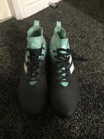 Adidas men's size 12 football boots