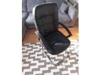 Comfortable and Stylish Office Chair