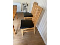 Set 4 wooden dining chairs