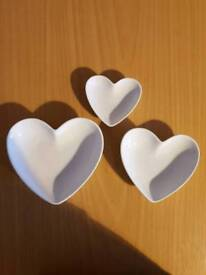 Set of 3 heart dishes From next