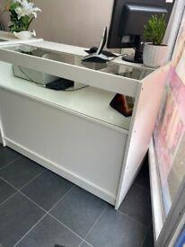 Reception desk / counter