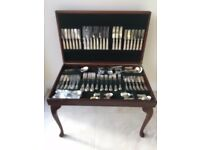 GENUINE 'KINGS OF SHEFFIELD' 12 PLACE / 128 PIECE (EPNS) CUTLERY SET IN MAHOGANY TABLE CASE