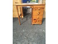 Solid oak wood chest of drawers and dressing table/desk