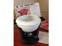 Le Creuset fondue set with box, instructions and heating gel