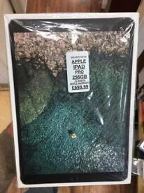 IPAD PRO 256GB BRAND NEW BOXED 12MONTH Apple warranty