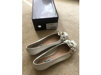 Dune white leather ballerina size 4