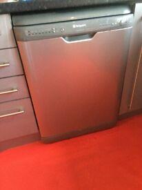 Hotpoint freestanding standard size dishwasher