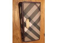 BURBERRY WOMEN'S LEATHER WALLET- Brand new and authentic