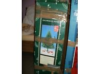 2x 6 foot christmas trees selling seperately £20.00 each both boed ecellent condition.