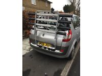 Thule bike carrier for up to four bikes.