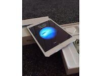 Apple Ipad mini 16gb wifi + cellular white, unlocked to all networks