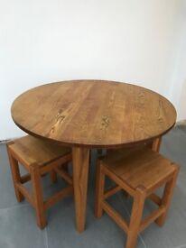Solid Oak Table circular table 110cm and 4 oak stools