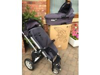 Quinny Buzz, push chair with additional cot.