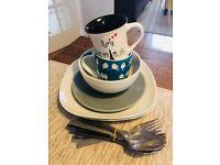 FREE Plates, bowls, mugs and cutlery