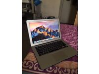 macbook air 13.3 inch year 2013 128g ssd intel core i5 processor excellent condit