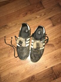 Addidas football boots size 9
