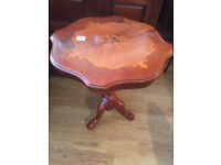 Pedestal side table, with inlay detail. Size Diameter 21in Height 25cm