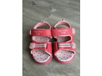 Cute Little Tribe Trekker Sandals Size 4/21