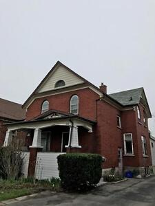 1 BDRM All Incl. - Mins. from Downtown Kitchener & Victoria Park