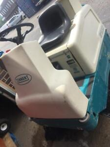 Used Industrial Floor Sweeper Tennant 6100