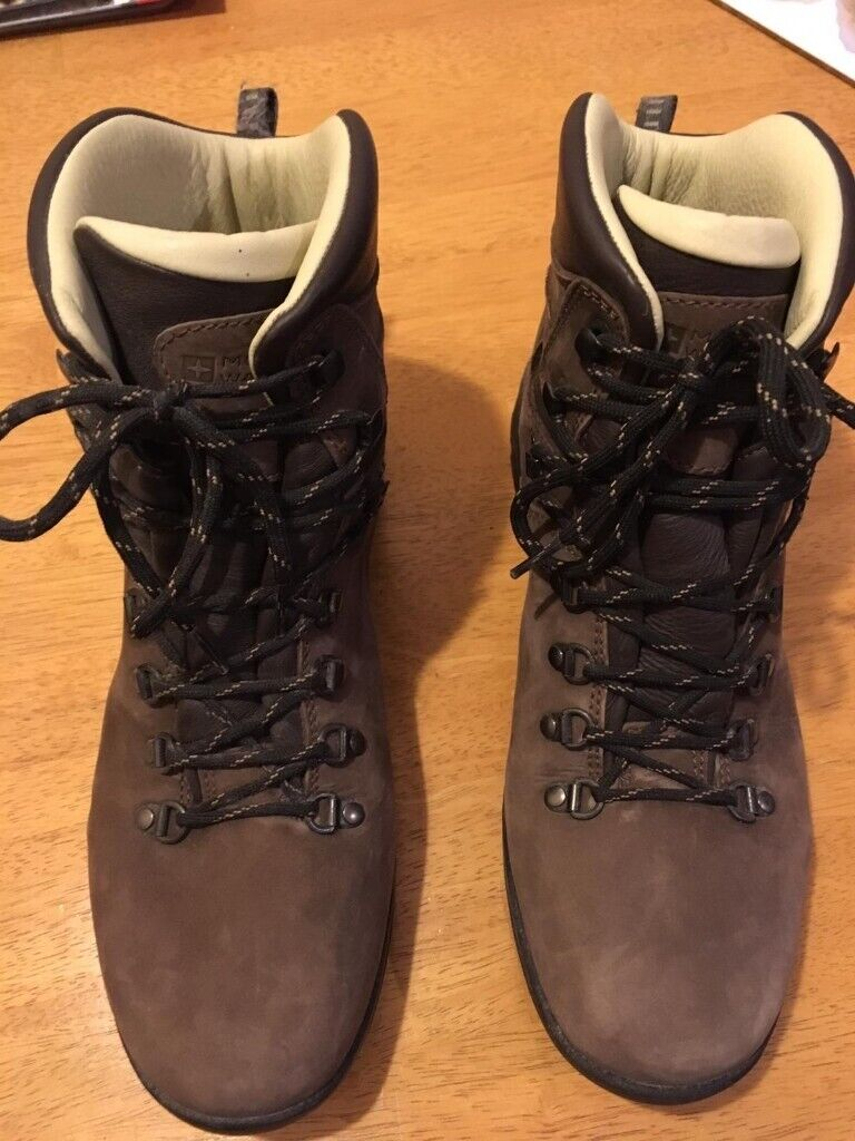 Leather Walking Boots UK Size 9.5  51dc5720665