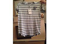 siksilk T-shirt size large mens