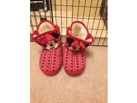 Minnie Mouse girls red slippers size UK 12-13