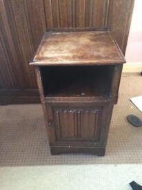 4 piece Antique Oak bedroom furniture, (1 more photo to follow)
