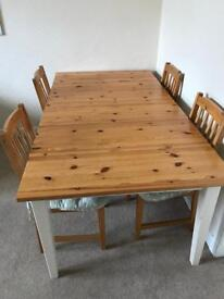Farm house style table and 4 chairs with seat cushions