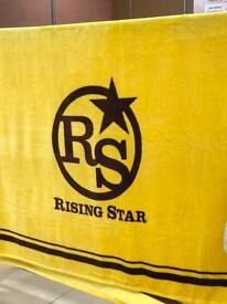RISING STAR THROW