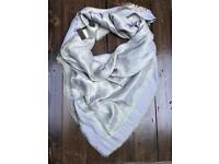 Louis Vuitton shawl wrap scarf new with tags beige and gold