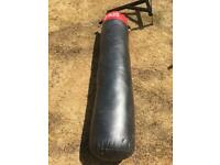 5ft Punchbag and bracket
